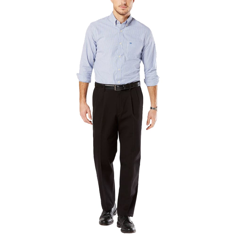 DOCKERS Men's Relaxed Fit Pleated Signature Khaki Pants 30/30
