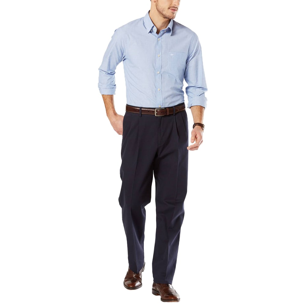 DOCKERS Men's Relaxed Fit Pleated Signature Stretch Khaki Pants - Discontinued Style 30/30