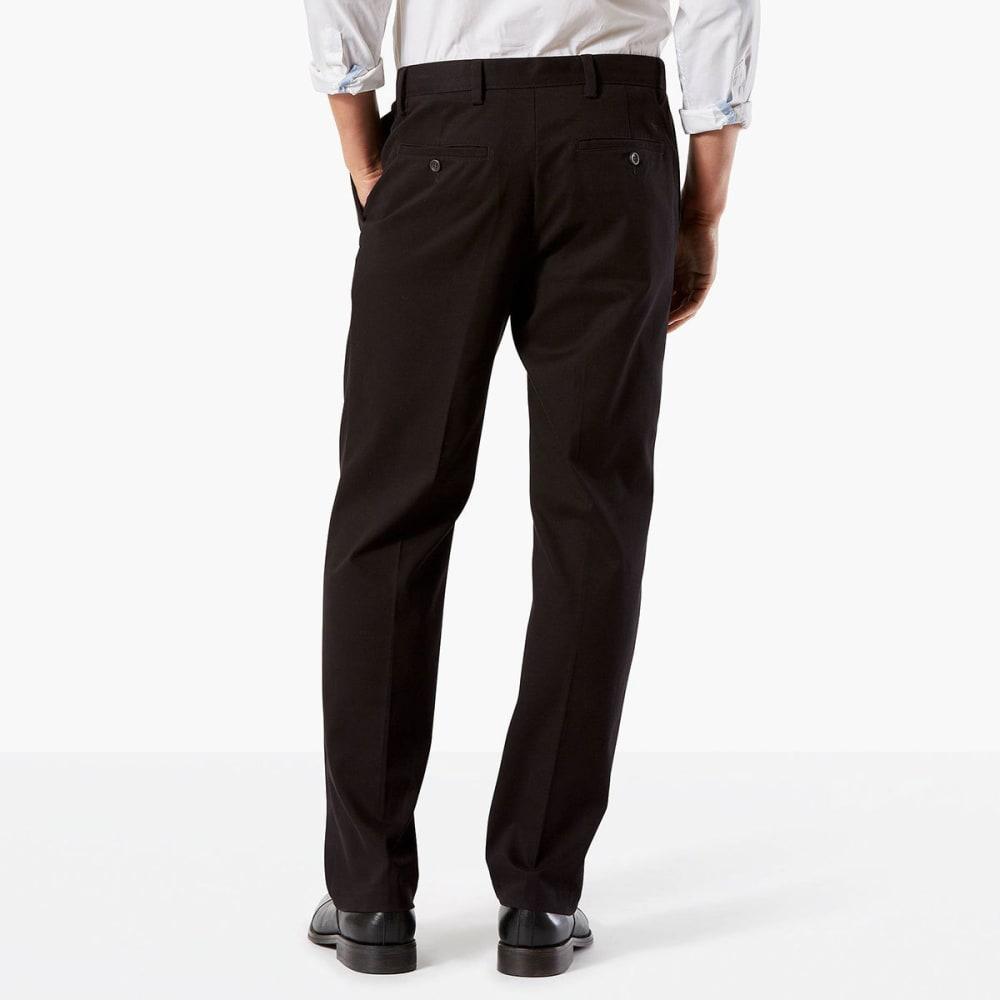 DOCKERS Men's Classic Fit Easy Khaki Pleated Pants - BLACK0004