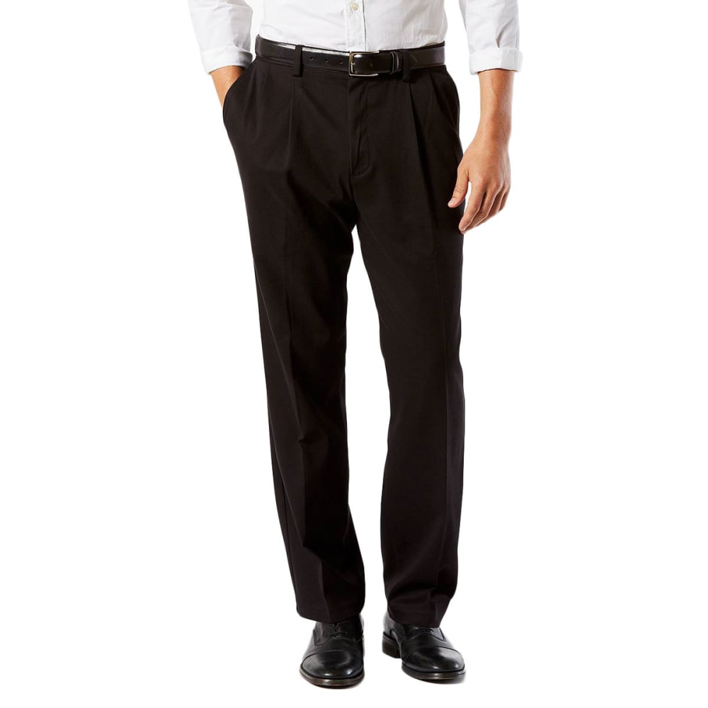 DOCKERS Men's Classic Fit Easy Khaki Pleated Pants 30/32