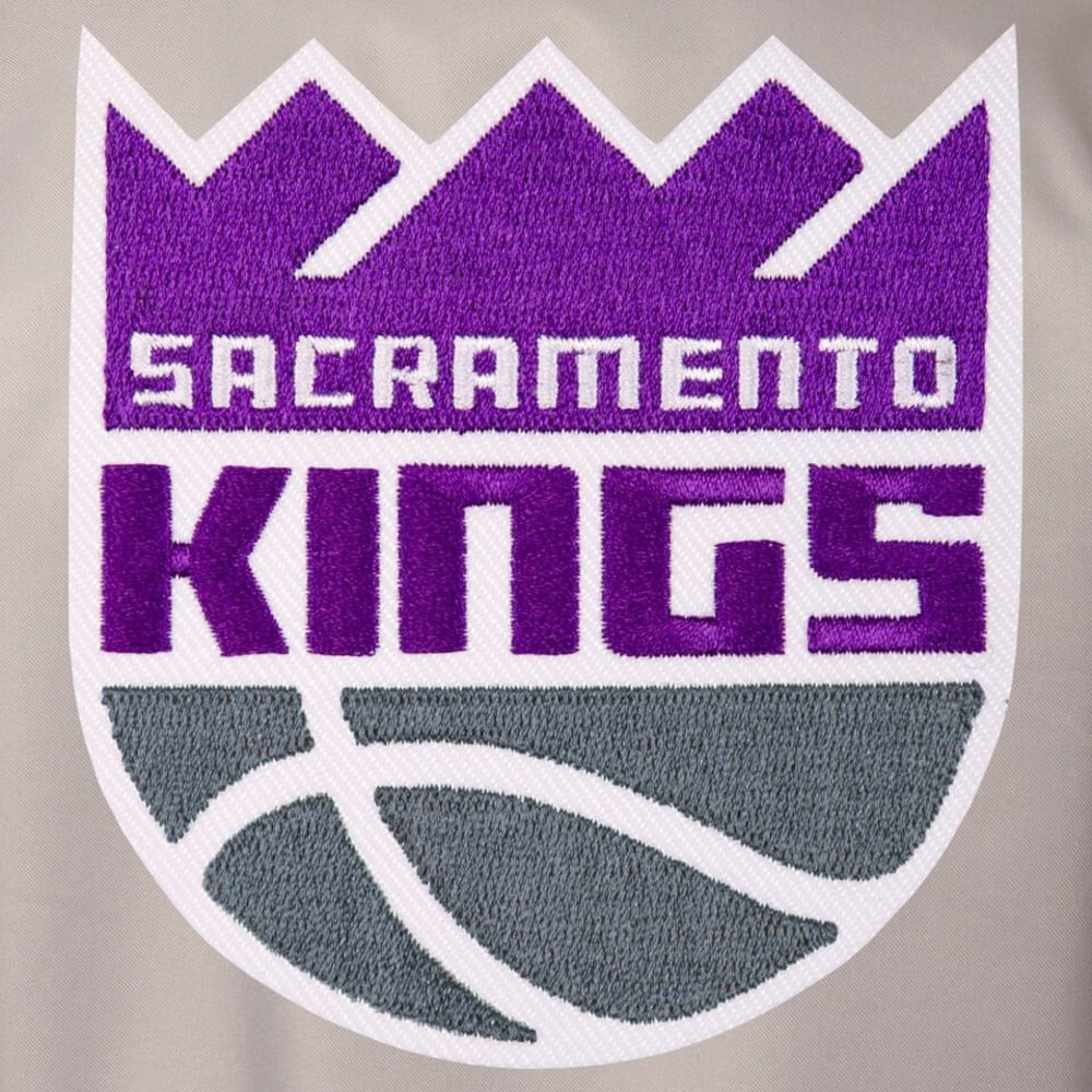 SACRAMENTO KINGS Men's Poly Twill Embroidered Jacket - GRAY-BLACK