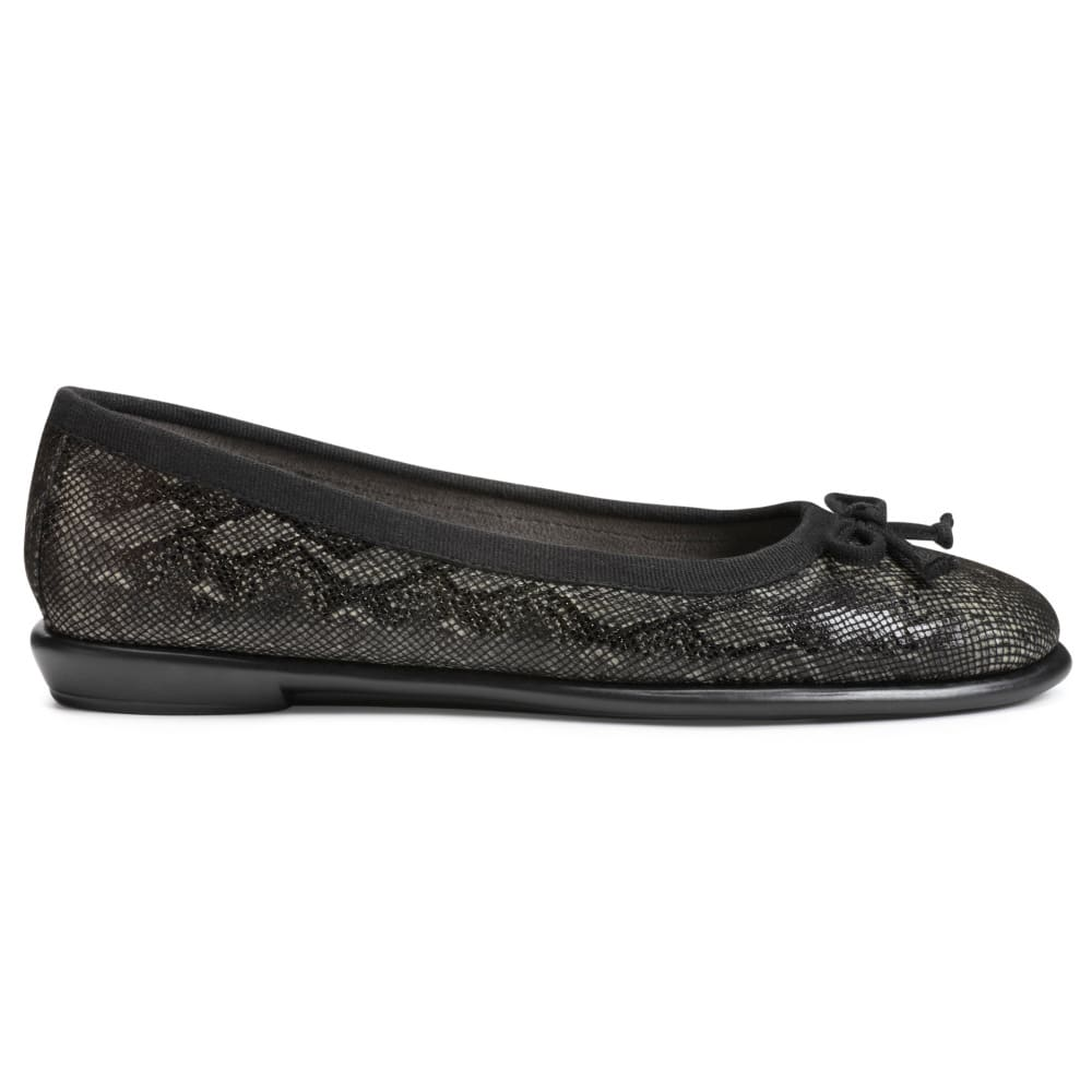 Aerosoles Women's Fast Bet Flats - Black, 5