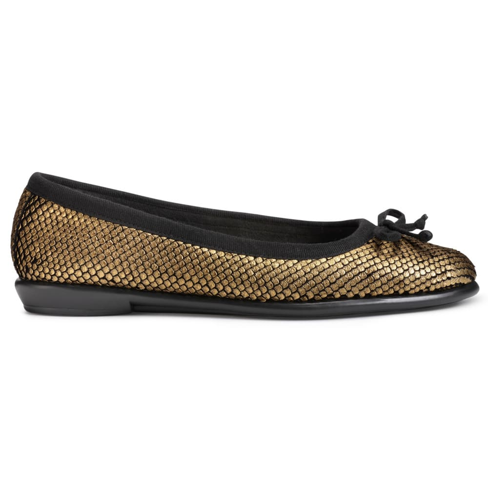 AEROSOLES Women's Fast Bet Flats - GOLD SNAKE-077