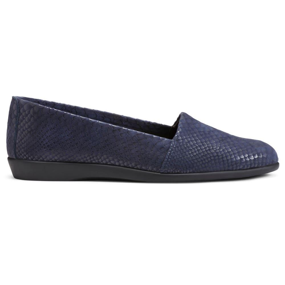AEROSOLES Women's Trend Setter Flats - BLUE SNAKE-071