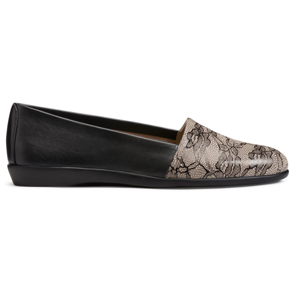 AEROSOLES Women's Trend Setter Flats, Wide - BLACK LACE-579