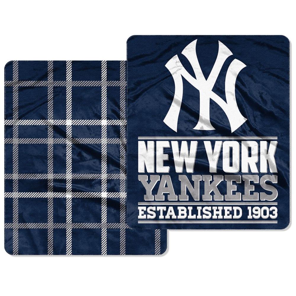 NEW YORK YANKEES 50 x 60 in. Homefield Cloud Throw Blanket - NAVY