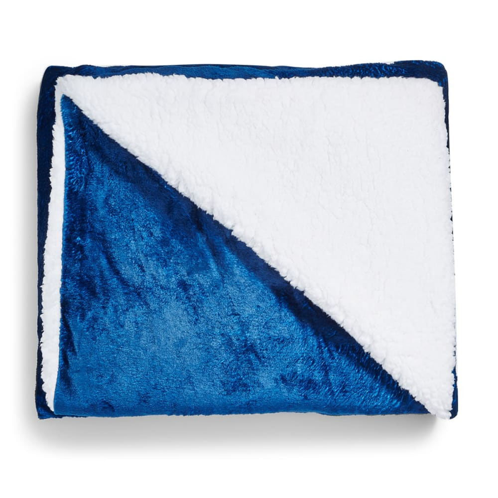 LUXE LIVING 50 x 60 in. Sherpa Throw Blanket NO SIZE