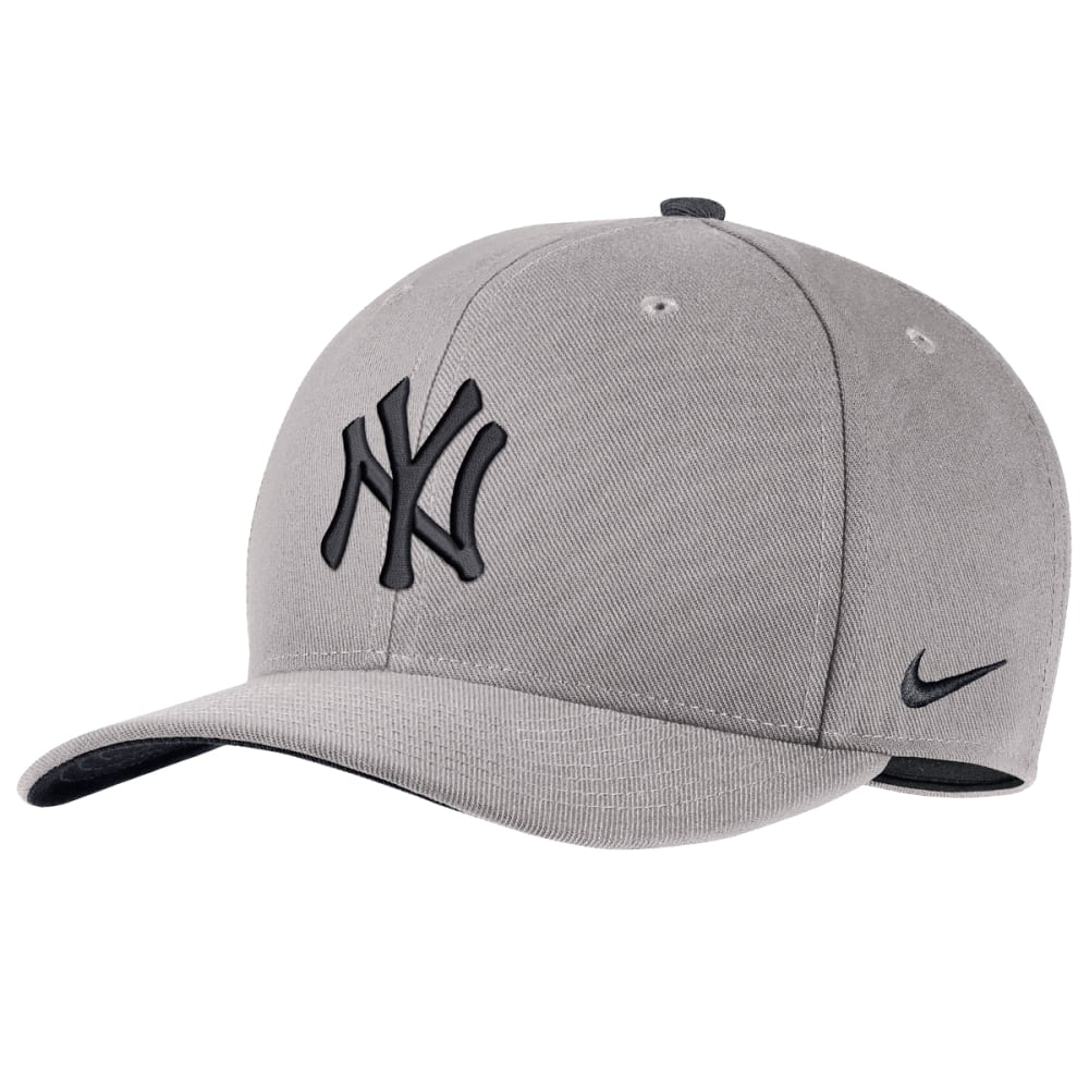 1053bccb44b37 NEW YORK YANKEES Men s Classic 99 Performance Adjustable Hat