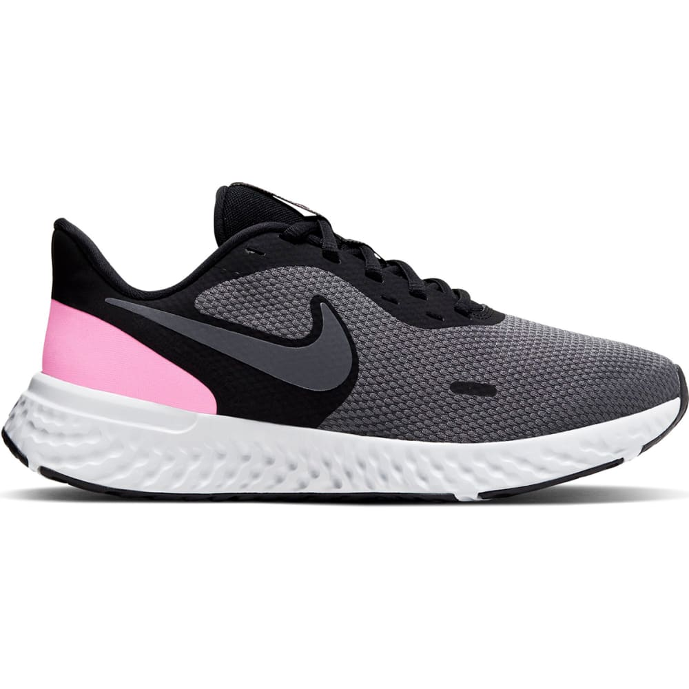 NIKE Women's Revolution 5 Running Shoes, Wide 7