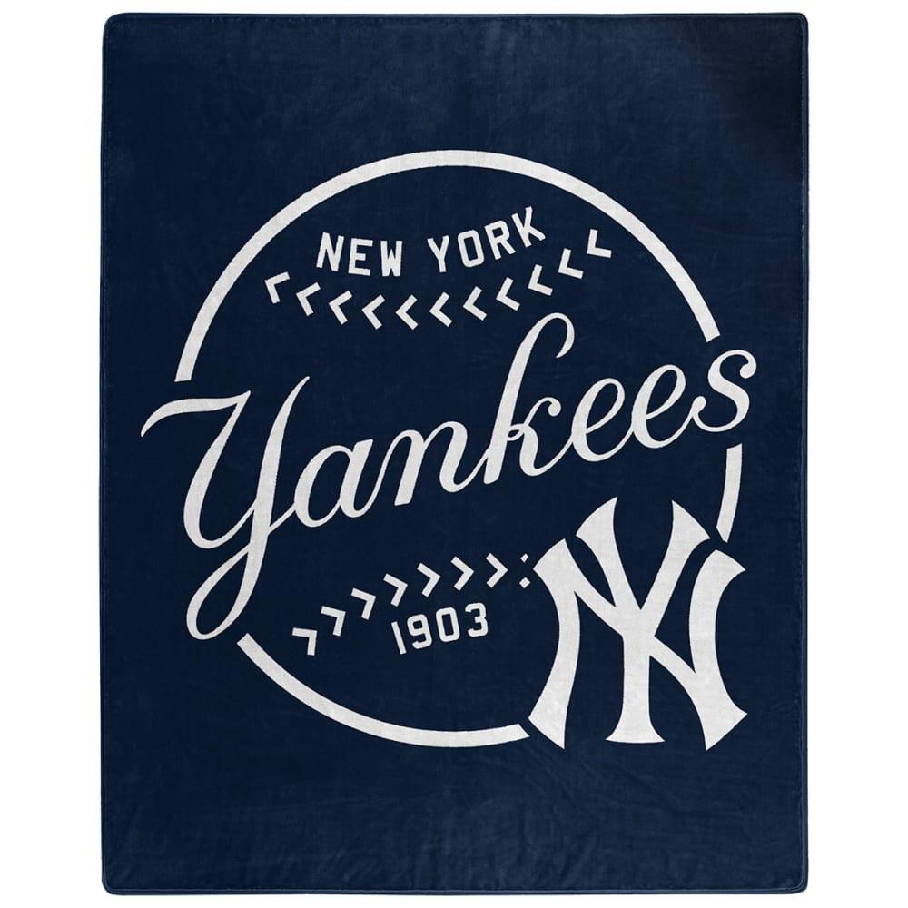 NEW YORK YANKEES Moon Shot Raschel 50 x 60 in. Blanket NO SIZE