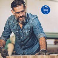 Gebotsschild Augenschutz benutzen in Werkstatt