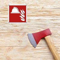 Mittel und Geräte zur Brandbekämpfung nach ISO 7010 - Axt auf Holz