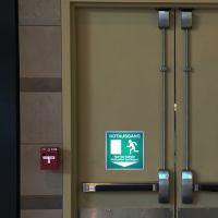 Notausgang - Nur bei Gefahr Nottaster betätigen