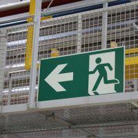 Rettungsweg / Notausgang links - Piktogramm für bodennahes Leitsystem