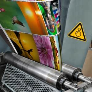 Warnschild gegenläufige Rollen in Offsetdrucker nach ISO 7010