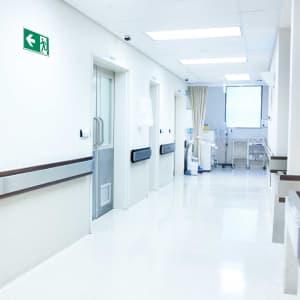 Rettungszeichen links Rettungsschilder Krankenhaus ISO 7010