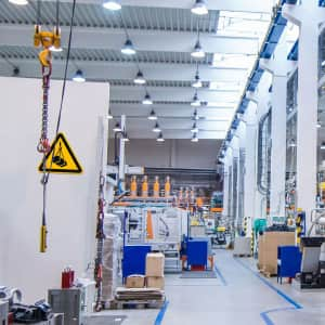 Warnzeichen / Warnschild Warnung vor schwebender Last nach ISO 7010 (W 015)