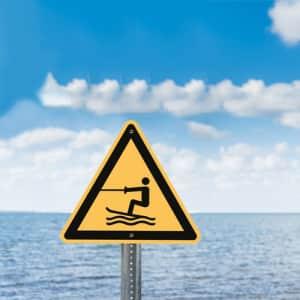 Warnung vor Wasserski-Bereich nach ISO 20712-1 (WSW 003)