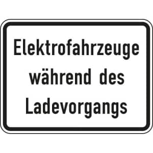 Elektrofahrzeuge während des Ladevorgangs VZ 1050-32