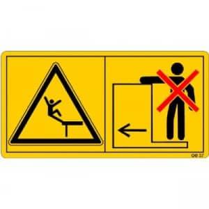 Die Mitfahrt auf Trittflächen oder Plattform ist nicht gestattet.