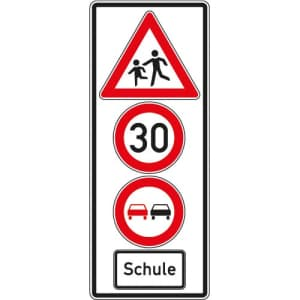 Hinweisschild Schule mit Geschwindigkeit & Überholverbot