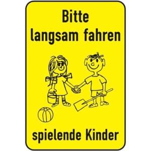 Bitte langsam fahren - spielende Kinder