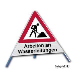Faltsignal - Baustelle mit Text: Arbeiten an Wasserleitungen