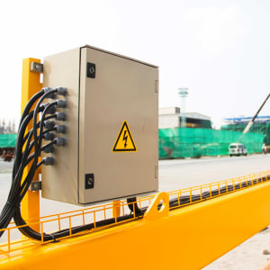 Warnschild Elektrische Spannung Warnzeichen ISO 7010