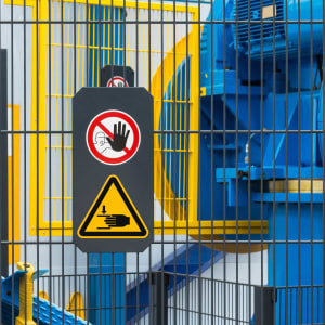 Maschinen-Warnschild Warnung vor Handverletzungen als Warnzeichen nach ISO 7010