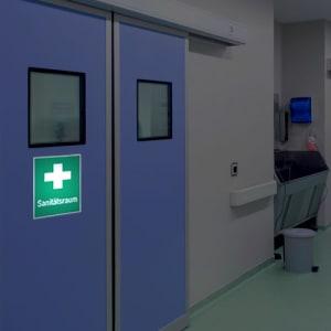 Sanitätsraum / Hinweis auf Erste Hilfe - Kombischild
