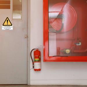 Kombischild CO2-Löschanlage - Hinweisschild auf Erstickungsgefahr
