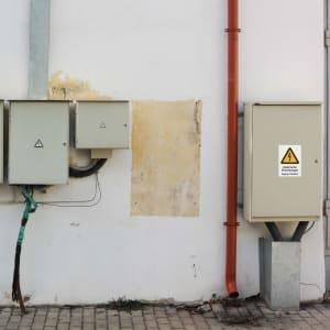 Kombischild Elektrische Einrichtungen - Zugang freihalten