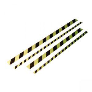 Antirutsch-Trittschutz mit gelb/schwarzer Warnmarkierung, langnachleuchtend
