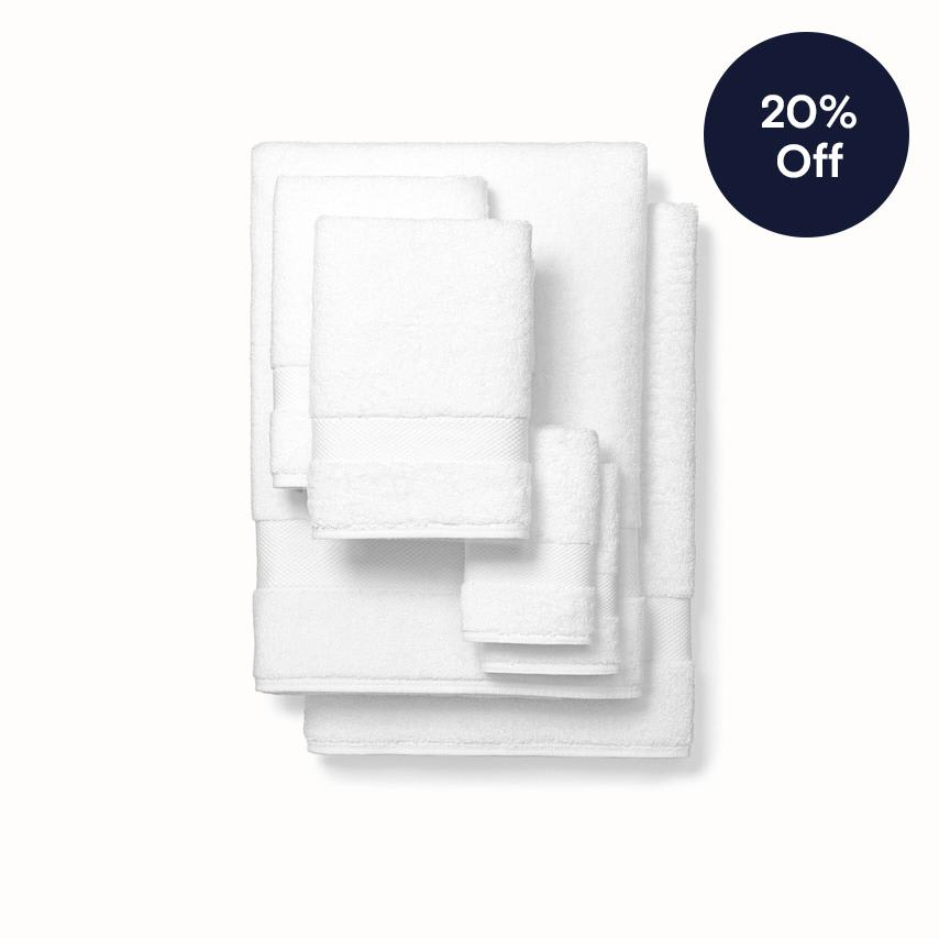 Plush Bath Towel Set white variant image
