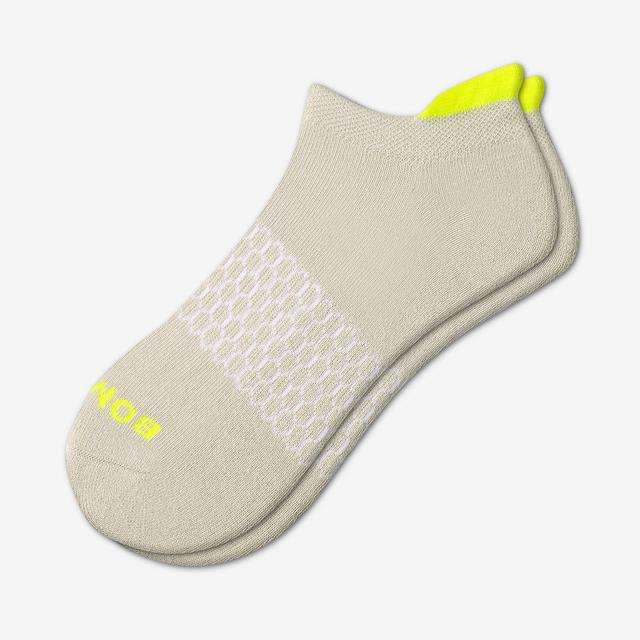 osprey-grey Women's Solid Neon Tipping Ankle Socks