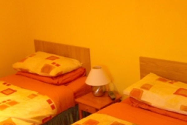 room-1-twin