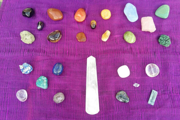 intuitive-gemstone-guidance