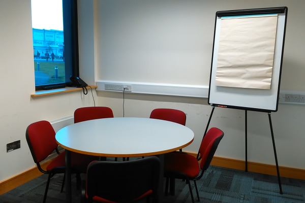 small-meeting-room-smr