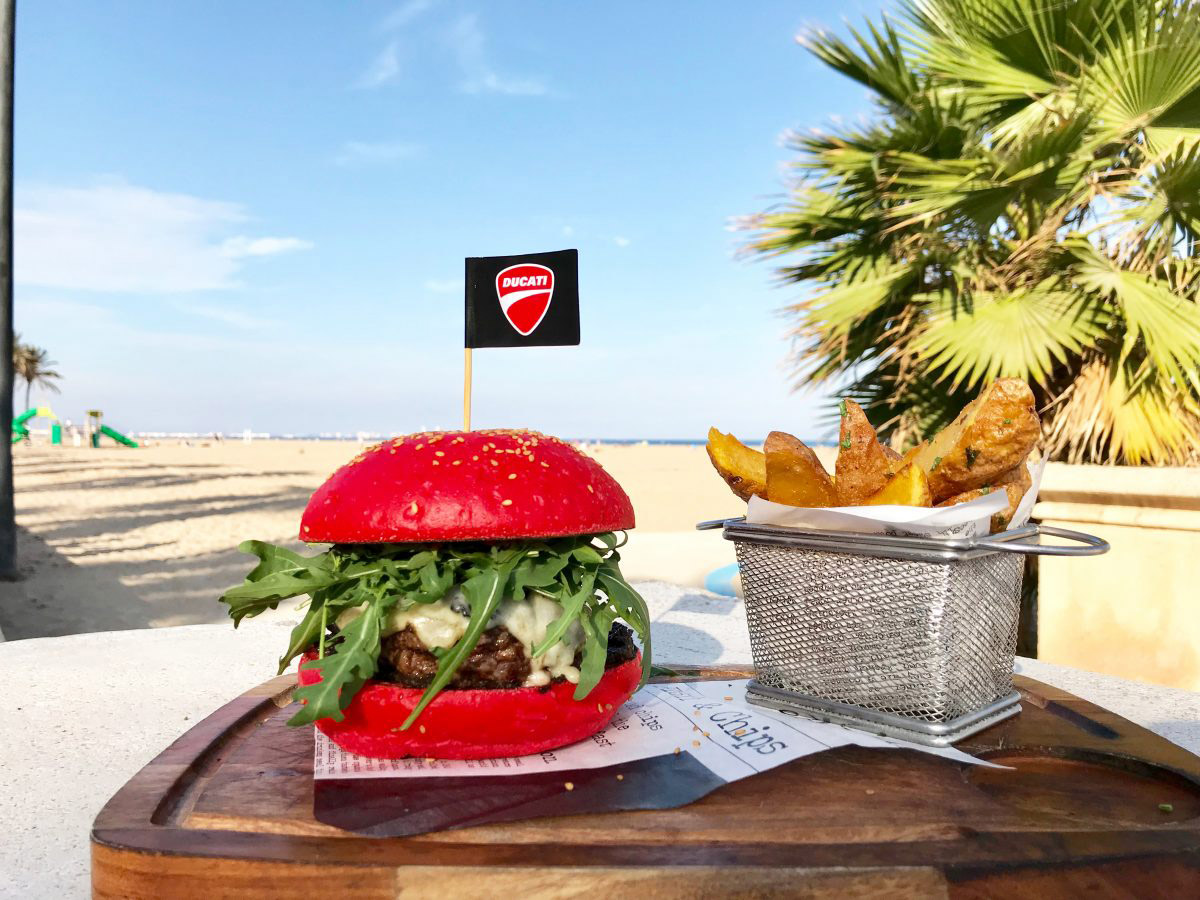 El fenómeno de la Ducati Burger con HAZBOOM