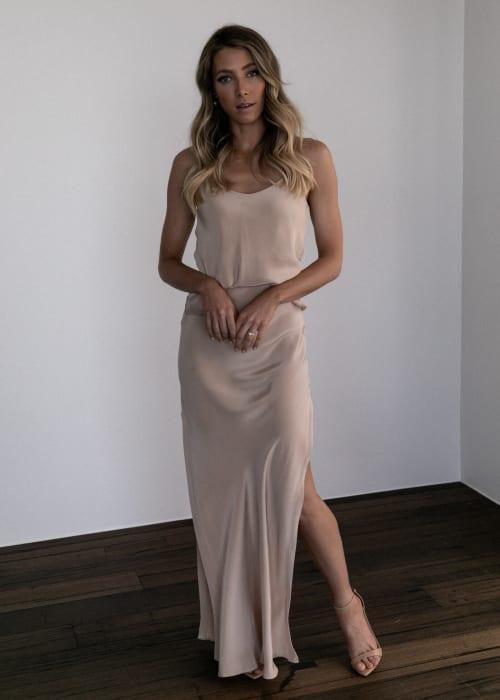 Grace loves lace.shop .ocassion and bridesmaids.belle silk split skirt sandstone 004