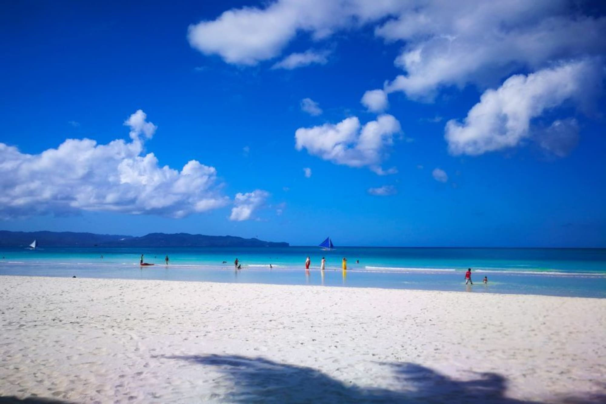 Best Time Now; Boracay, a warm destination to visit this 2020