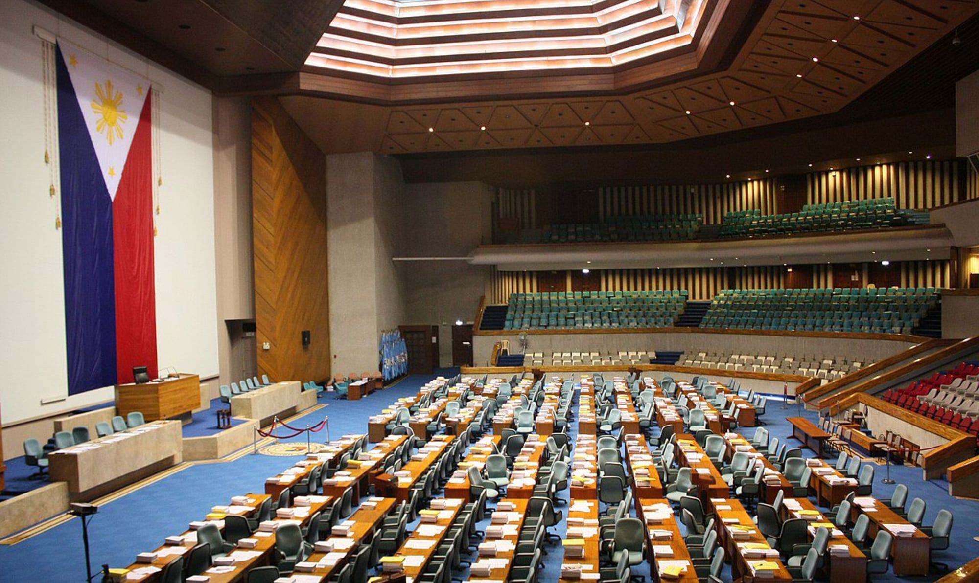 House panel approves the bill of creating a job training program for workers aged 40 and above