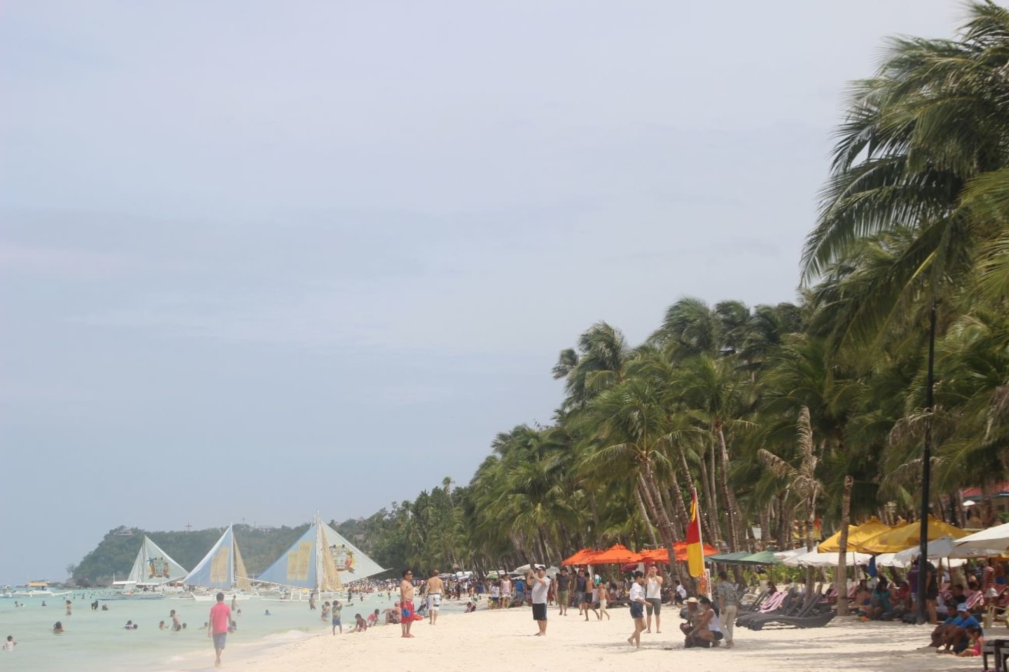 Boracay reaches 2-M tourist arrivals in 2017