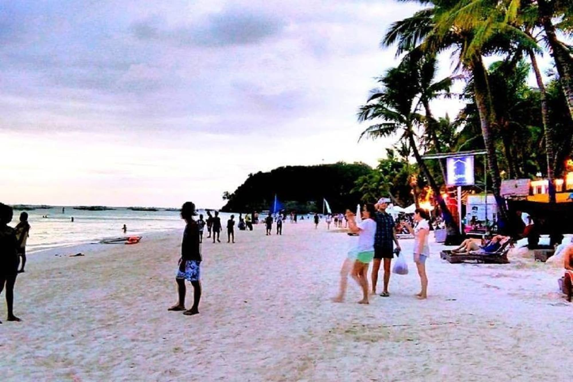 Boracay tourist arrivals over 1M in 1st half of 2017