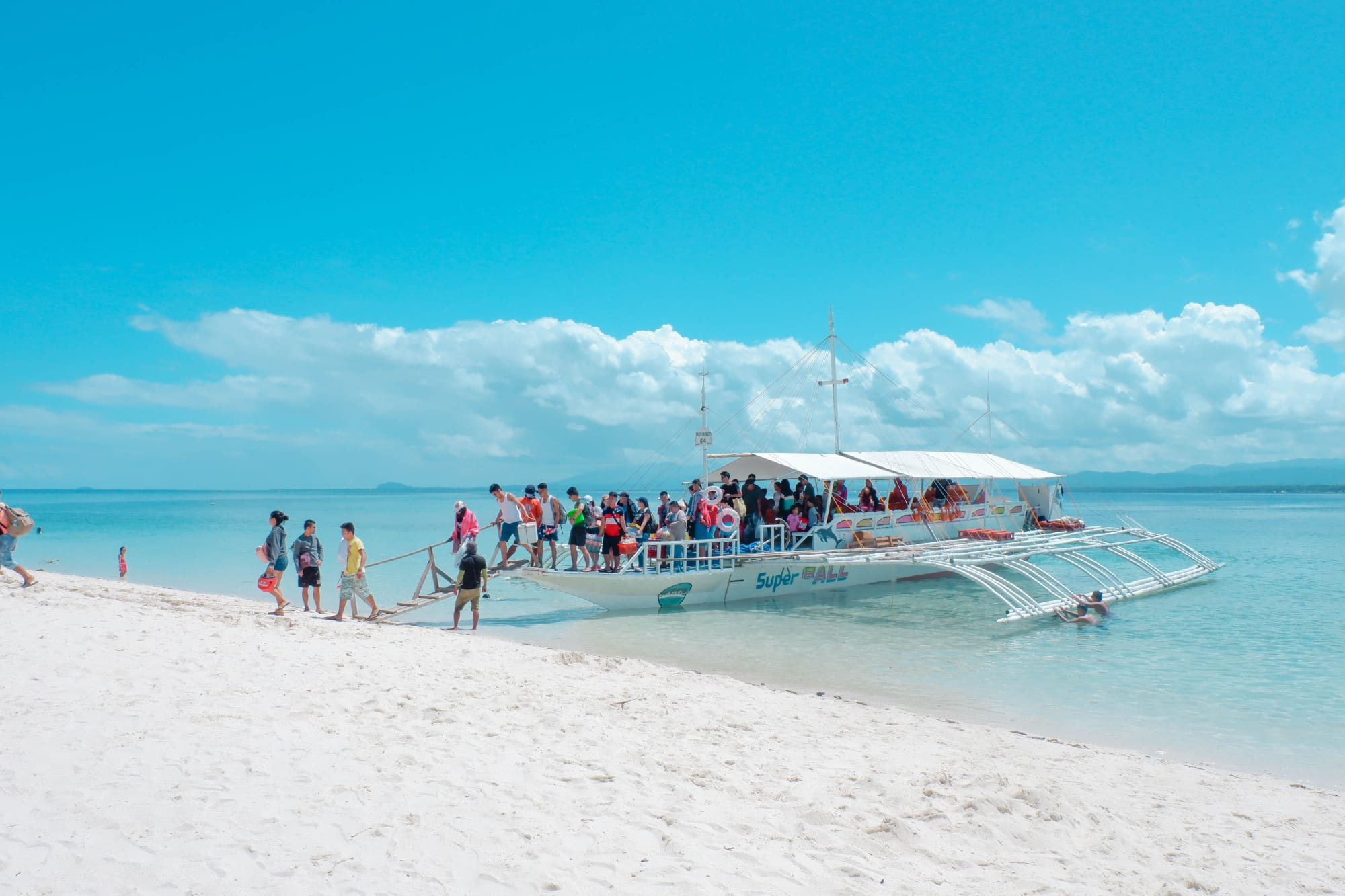 DOT hopes to open up PH towards foreign tourists this 2021