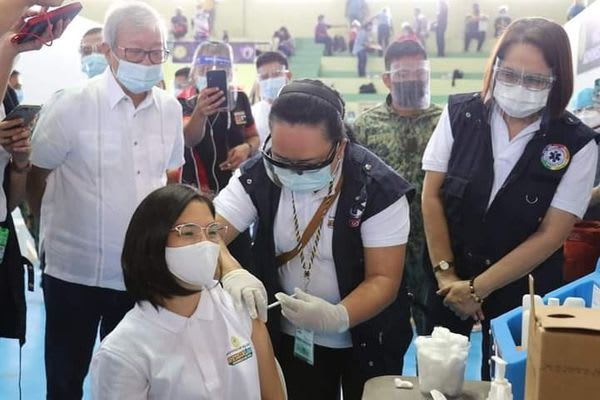278 Health Care Workers of the Aklan Provincial Hospital Vaccinated