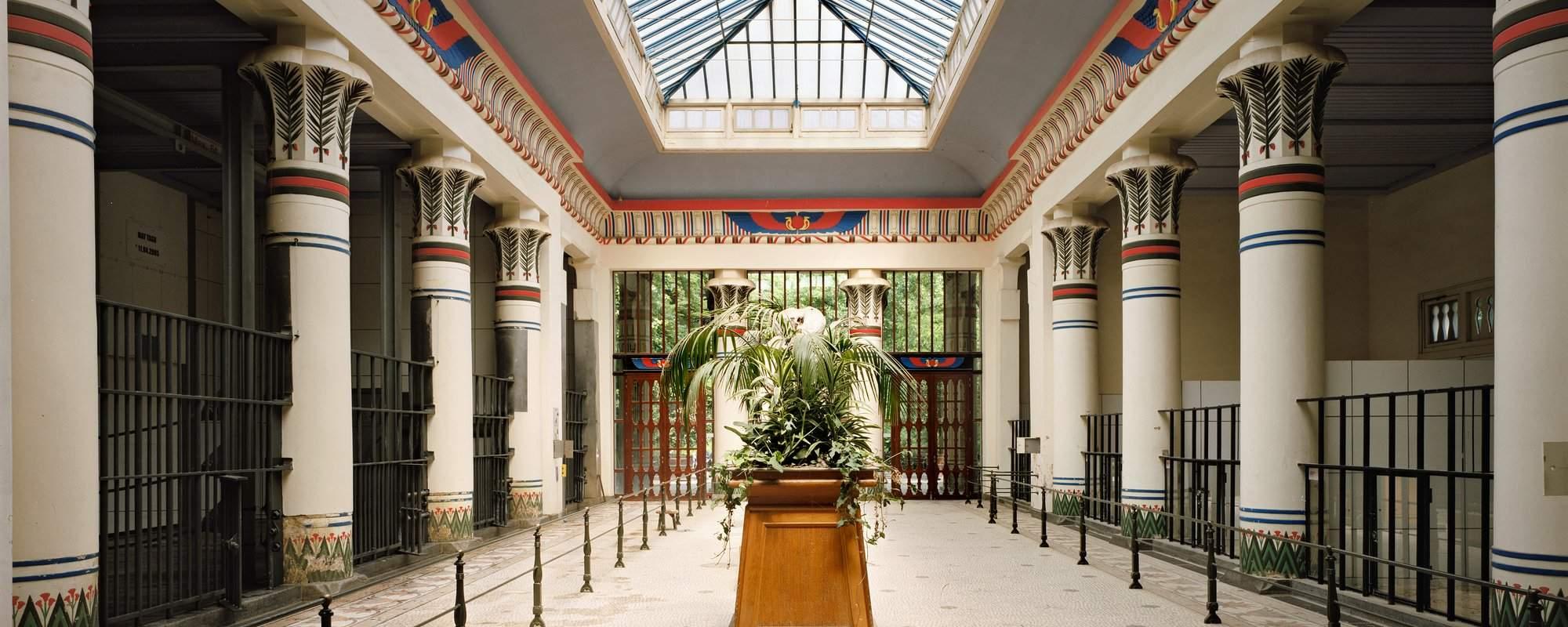 Olifantengebouw K Borghouts