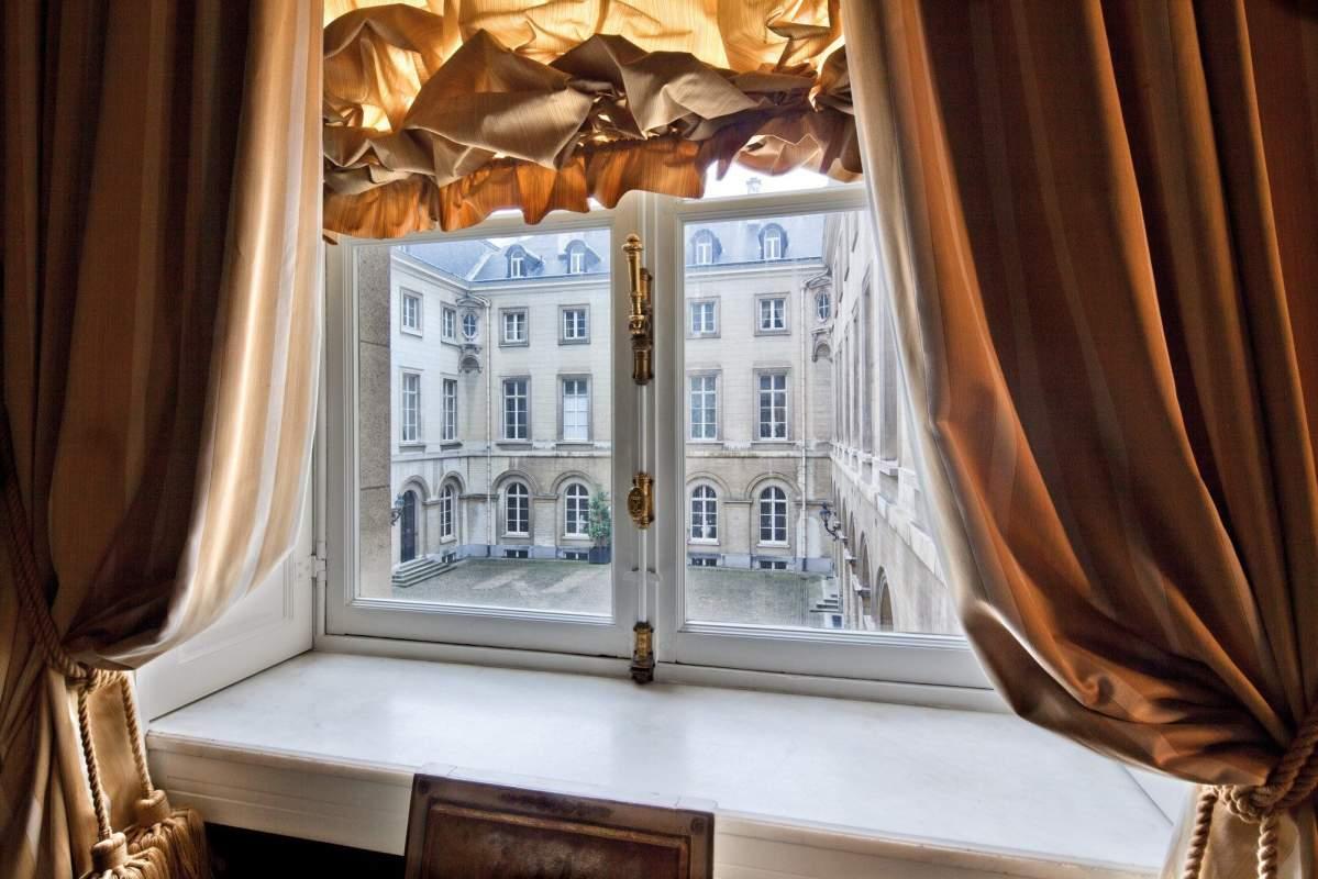 31 Empirezaal K Borghouts