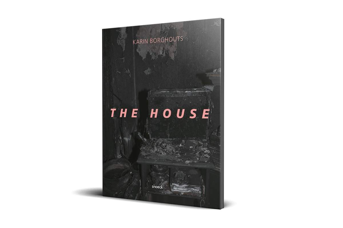Boek Cover Mock Up The House Karin Borghouts