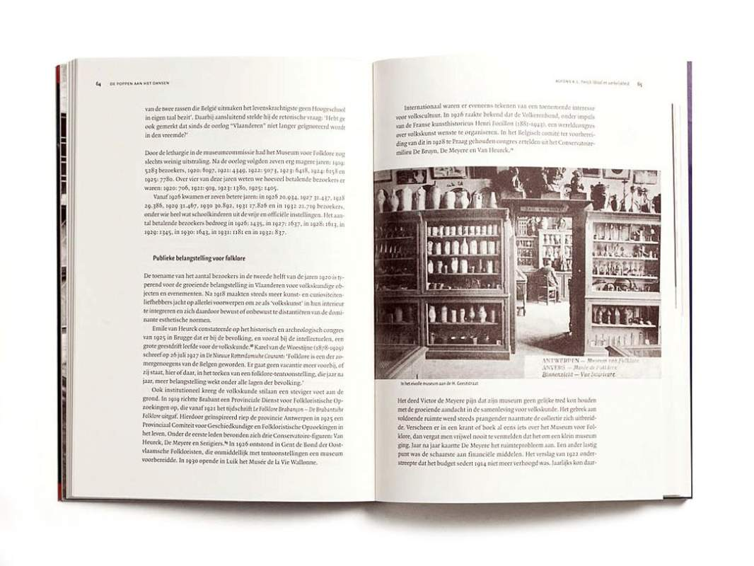 PUB Poppen Boek 7700